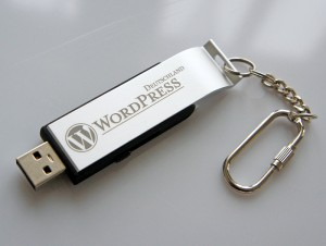 wpd usbstick 300x226 Gratulation Wordress   1 Millionen DE Downloads