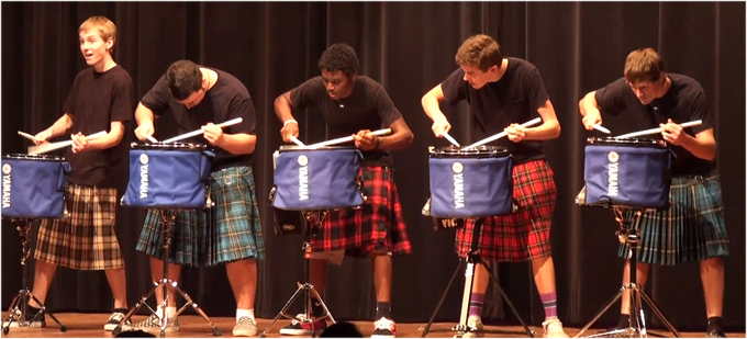 Video der woche hot scots drum line Video der Woche: Hot Scots Drum Line [1 Video]