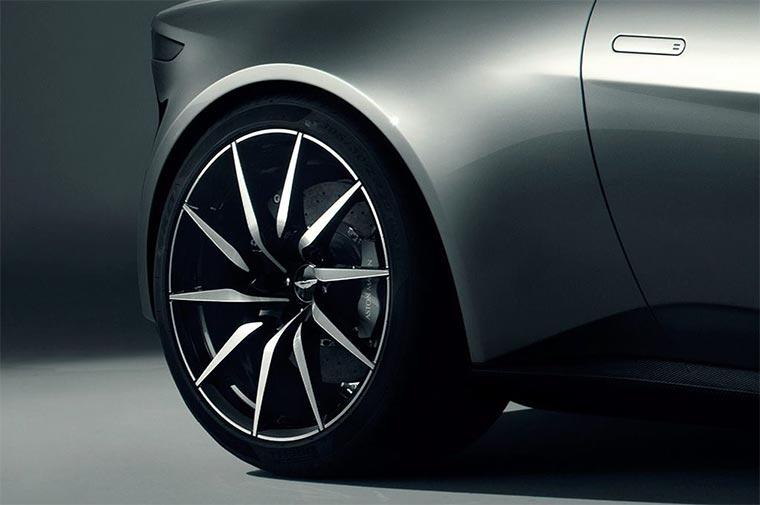 Aston-Martin-DB-10_03