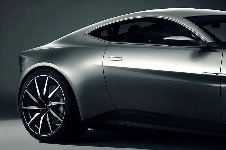 Aston-Martin-DB-10_04